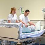 ¿Cómo cuidar a una persona enferma en cama?