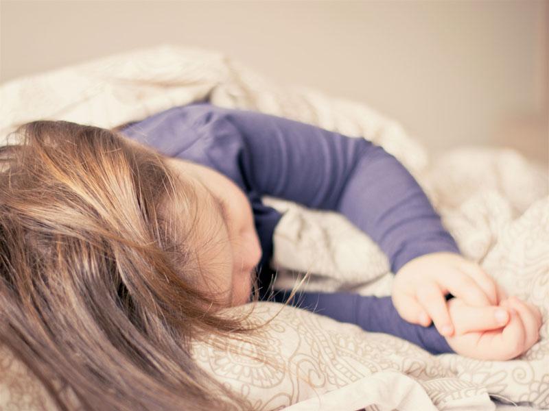 Correcta postura al dormir