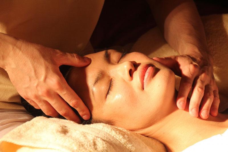 ¿Qué es la tortícolis y cómo quitar el dolor?
