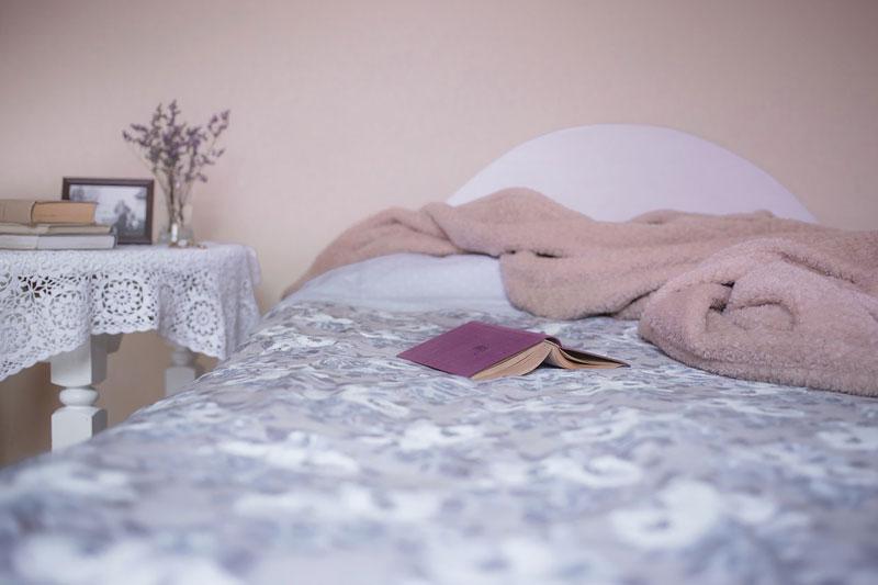 dormir con dolor de huesos