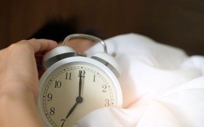 Cómo dormir con dolor de huesos