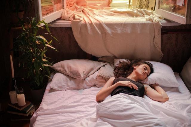 Posición fowler y semifowler para dormir
